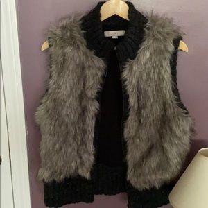 Anne Taylor loft faux fur vest- gray size m/l